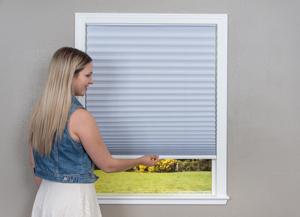 store tissu pliss sans cordon remont e automatique sans. Black Bedroom Furniture Sets. Home Design Ideas